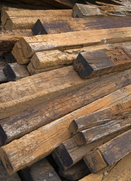 picture of creosote railroad ties