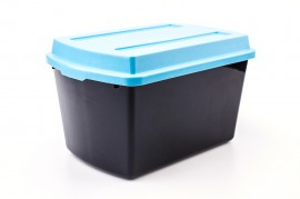 picture of Rubbermaid storage containers
